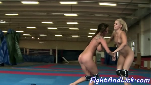 Facesitting, Catfight, Wrestling