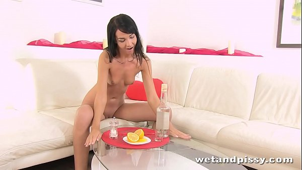 Girl pee, Sex toys, Drink piss, Drink, Piss girl