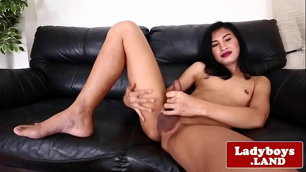 Asian solo, Thai ladyboy