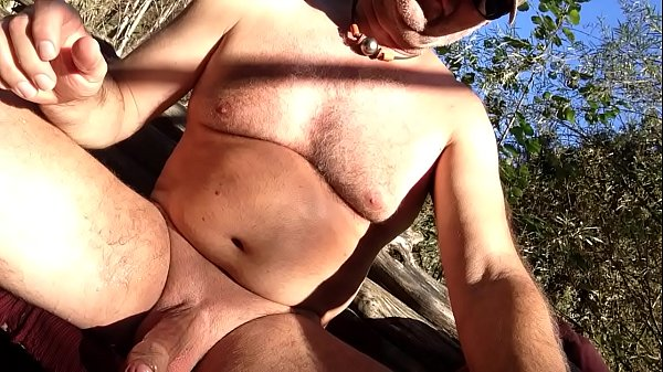 Nudist, Mature solo