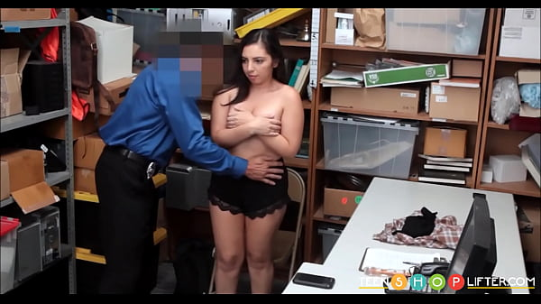 Young cock, Shoplifter